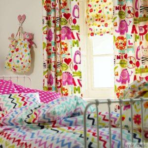 Dekoracje do pokoju dziewczynki, tkaniny obiciowe do pokoju dziewczynki, poduszki i pościel do pokoju dziewczynki, różowy pokój dla dziewczynki, zasłony i firany do pokoju dziewczynki