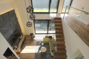 Żaluzje fasadowe wewnątrz domu na wymiar